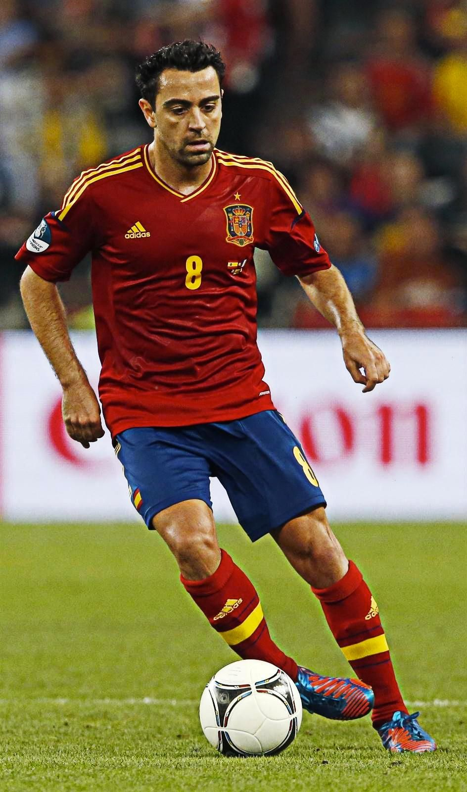Fcblaugrana On Twitter Soccer Players Xavi Hernandez Xavi Iniesta