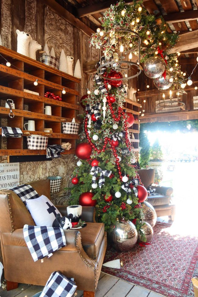 Old Lucketts Store Holiday Open House in Leesburg