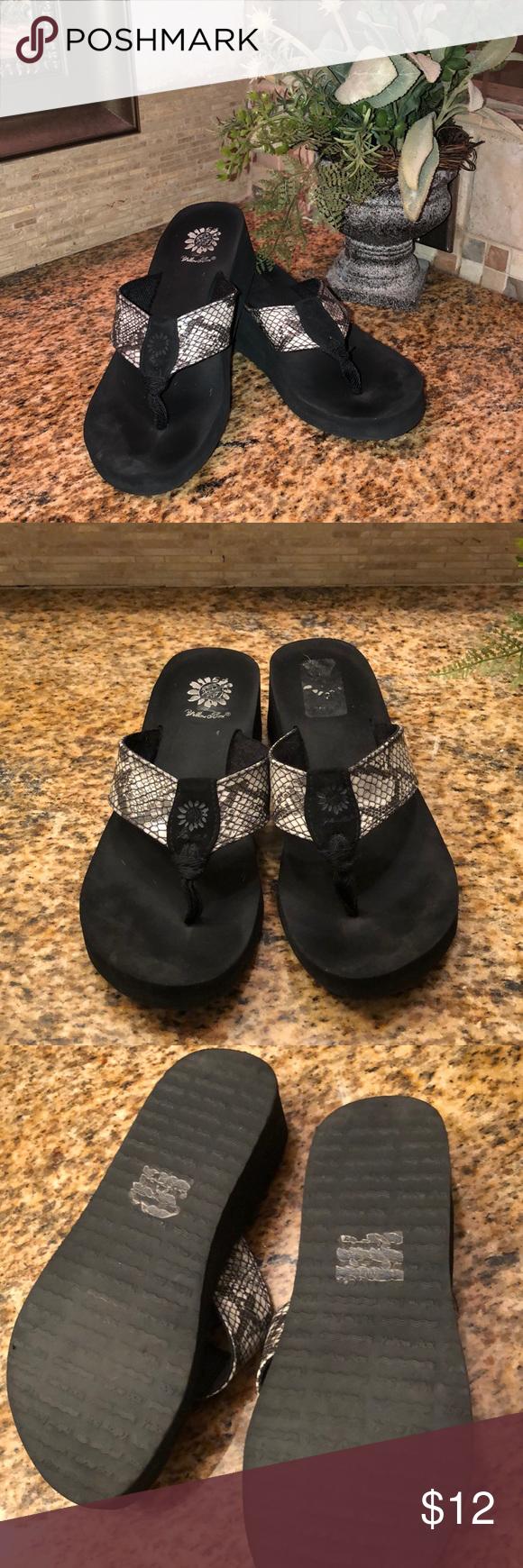 Guess black snake skin thong sandals
