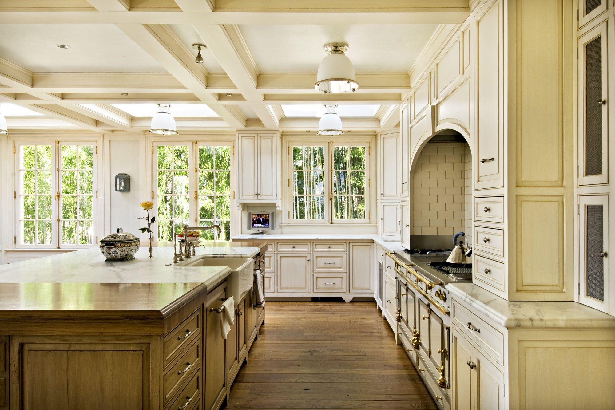 Kitchen, La Cornu Range, French Windows, Outerbridge Horsey Associates, Photo by Pipkin