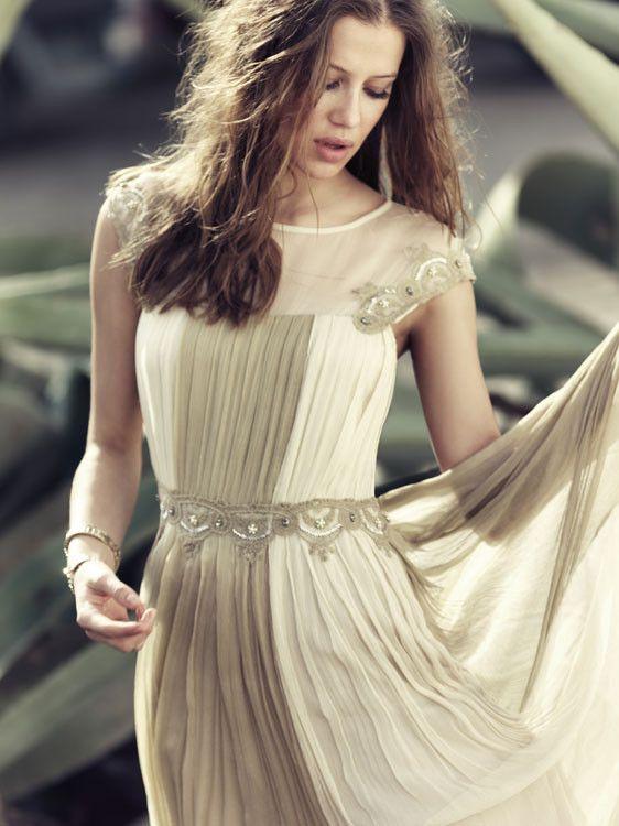 2ddf23f1f Empieza la temporada de bodas  vestidos cortos para bodas de mañana ...
