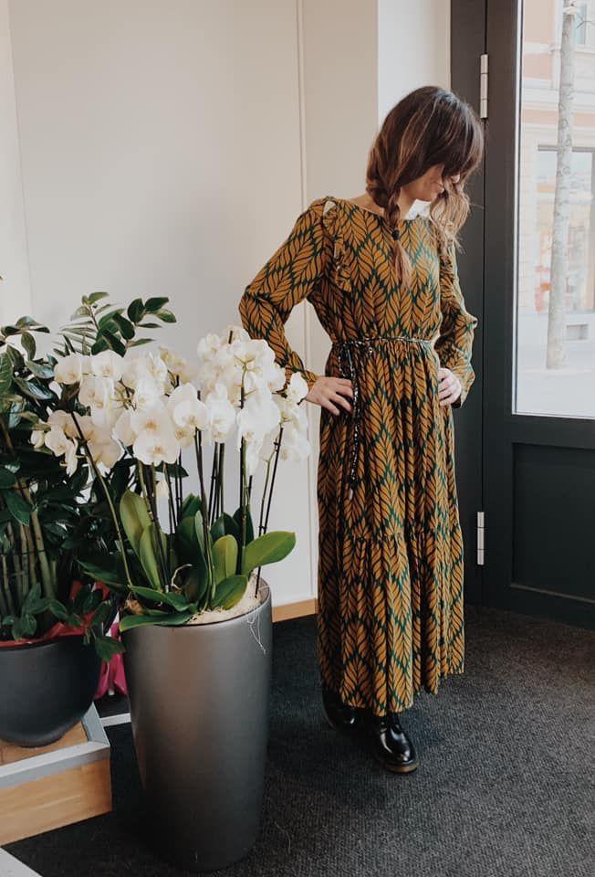 #moodoftheday❤️ -Meraviglioso vestito lungo fantasia. #green #smile #shopping #lugano #dress #mood #fantasy #longdress #shoes #woman #womanstyle #foryou #girl #lasostadagiulia