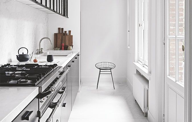 10 Tips For Planning A Galley Kitchen #opengalleykitchen Top 2019 galley kitchen open shelves for 2019 #whitegalleykitchens
