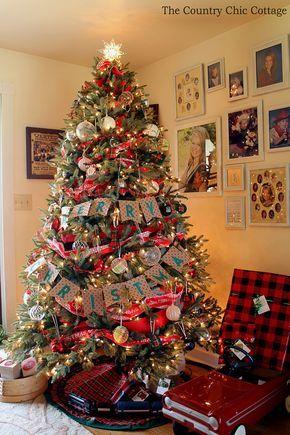 Farmhouse Christmas Tree with Plaid Ornaments Christmas tree