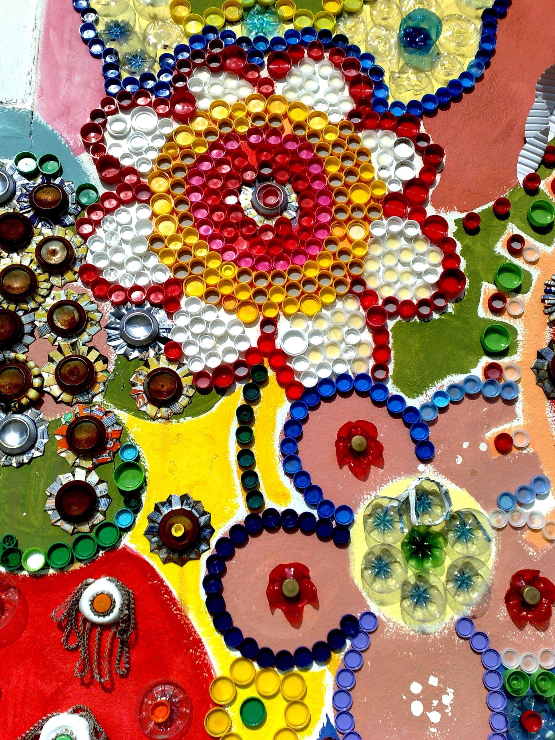 Favori Art urbain: bouchons de bouteilles en plastique et tricot  YU42