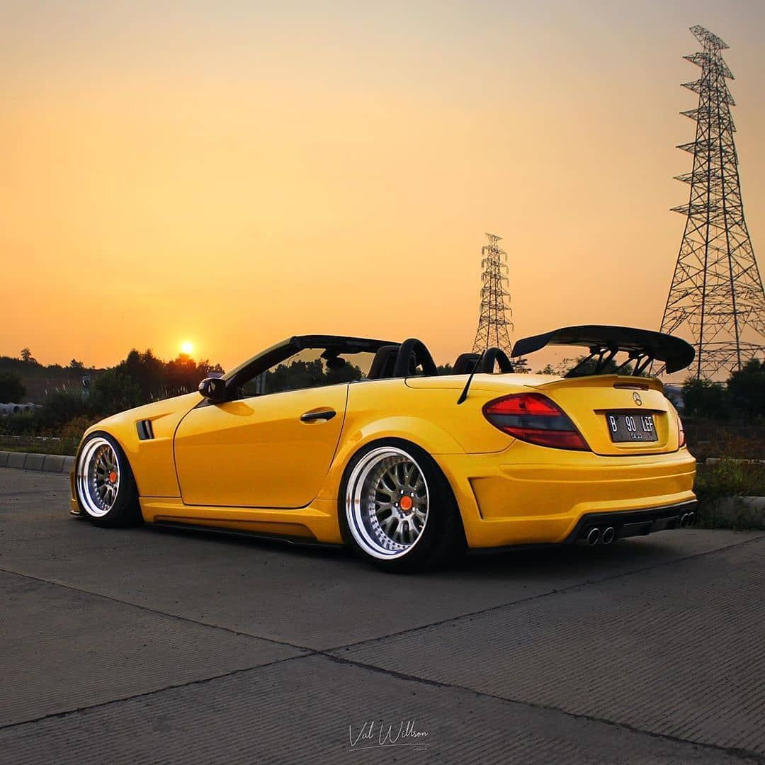 When The Sun Goes Down It 39 S Dark Right Mercedes Slk R171 Stancenation Bagged Mercedes Slk Mercedes Benz Cars Benz