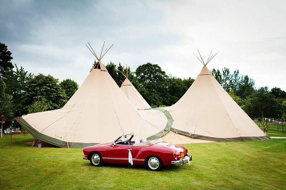 reception tipi, yes