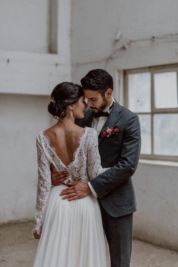 Burgundy and Black Fall Wedding Inspiration at Papiermühle Homburg | Junebug Weddings