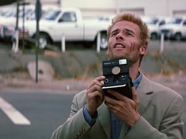 Memento (dir. Christopher Nolan) 2000 Movie posters