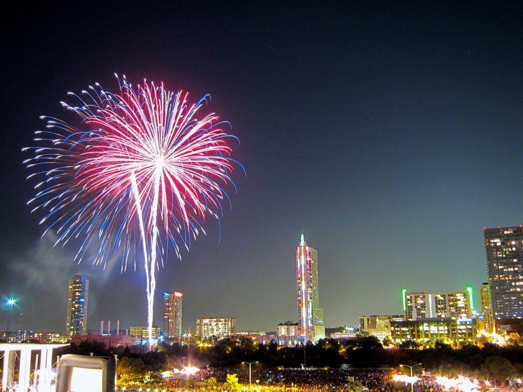 Last Minute Austin New Year S Eve Ideas Austin Events Fireworks Display Fireworks