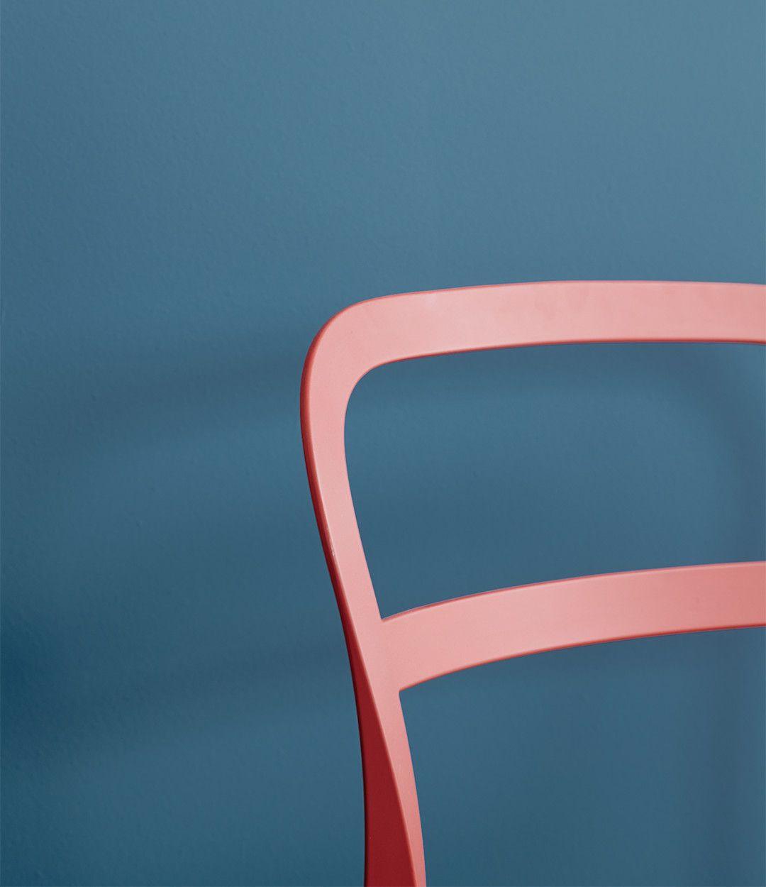 Innenfarbe im haus alpina feine farben no  u stolzer wellenreiter stahl beton und