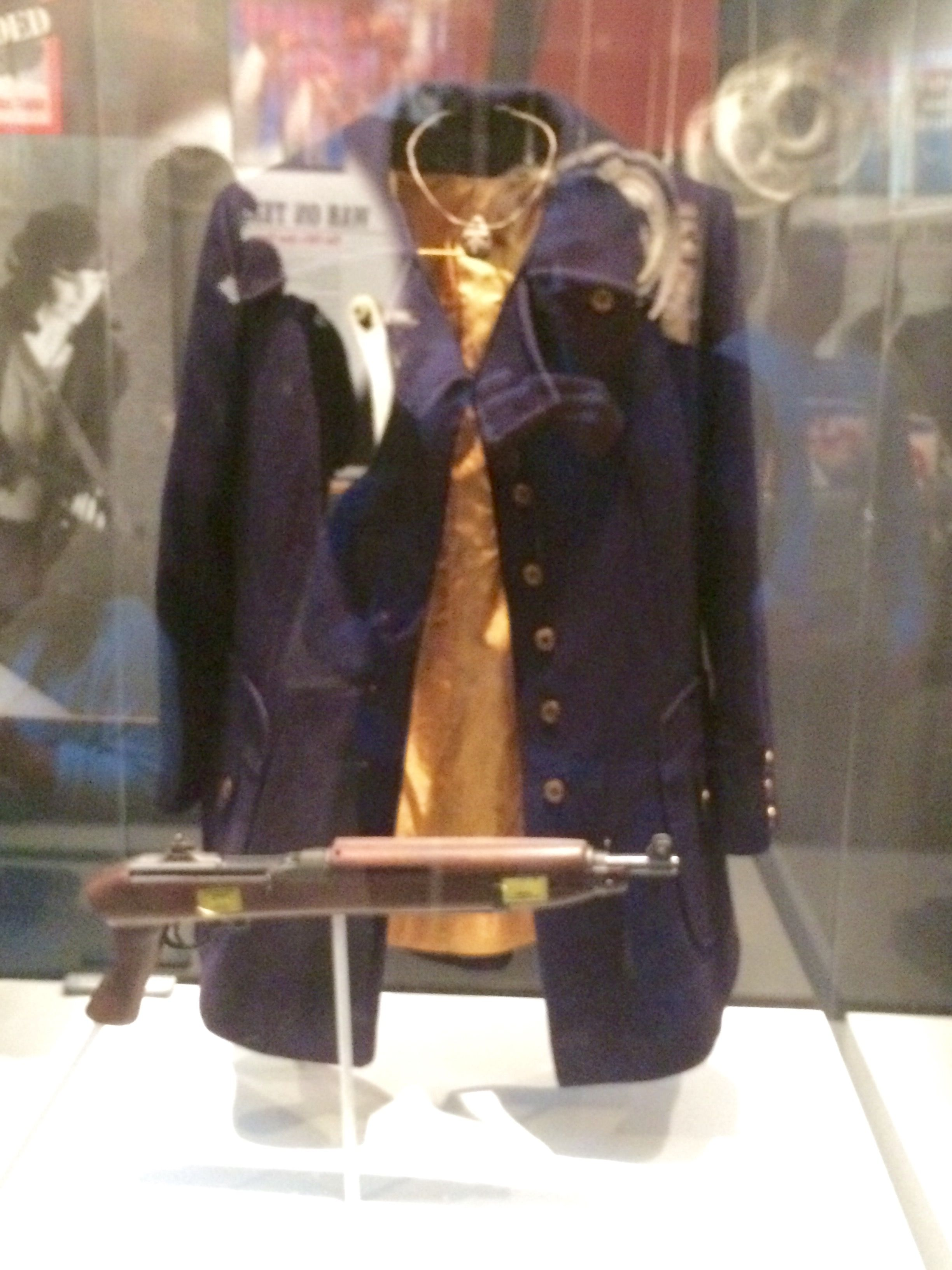 gun and coat worn by patty hearst during hibernia bank robbery patty hearst s coat and gun