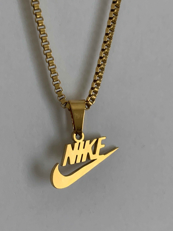 Voici ce que je viens d'ajouter dans ma #boutiqueetsy : collier ...