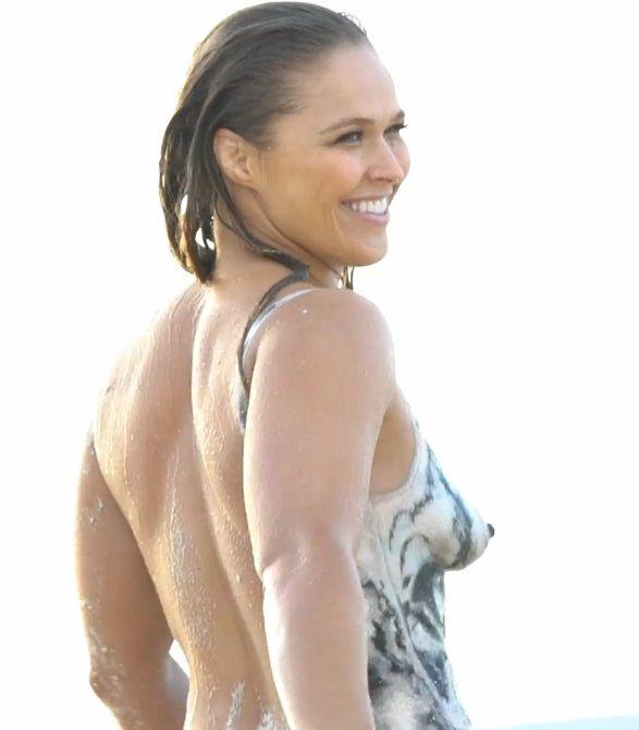 Rhonda rousey nipples