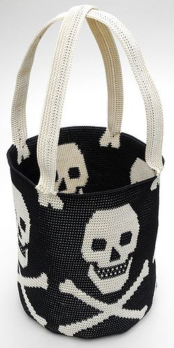 Ravelry: Tapestry Crochet UFO Bag by Carol Ventura