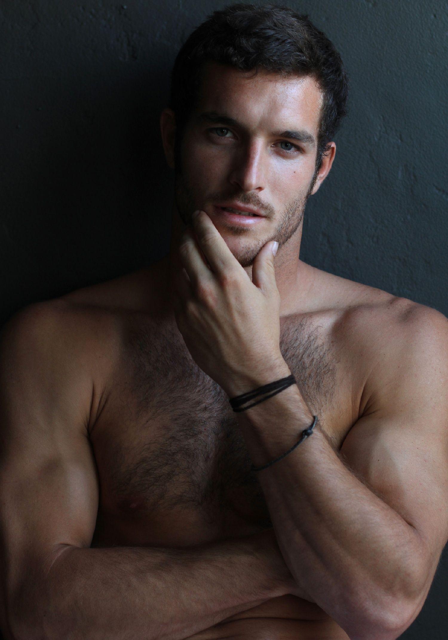 Волосатая грудь парней — 4