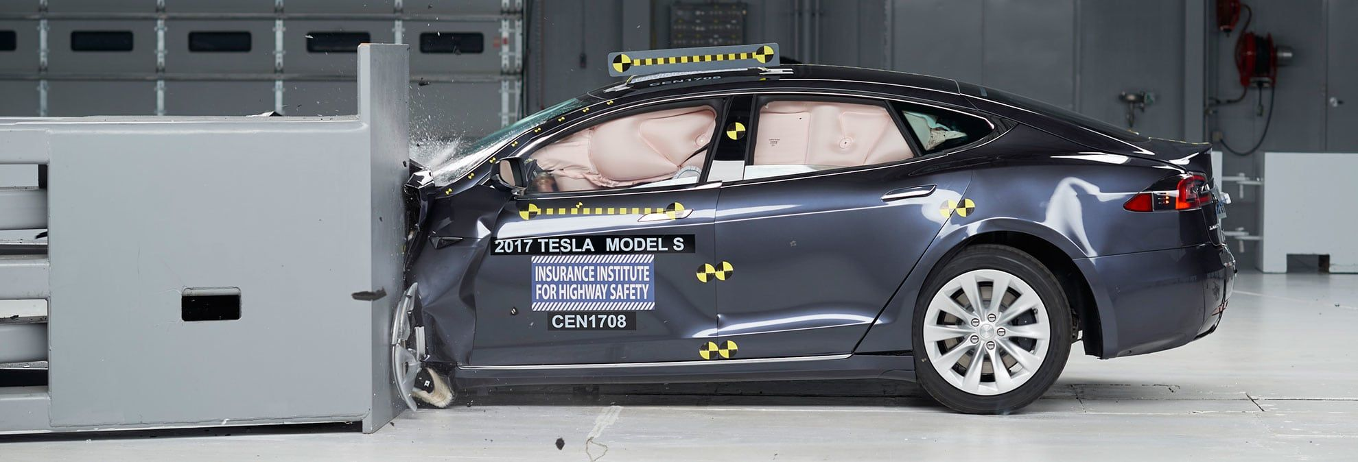 Lincoln Mercedes And Toyota Sedans Earn Top Crash Safety Marks