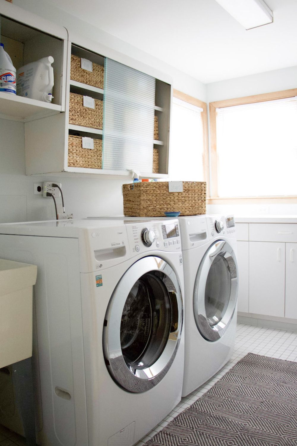 Learn Tips For Organizing An Laundry Room From Professional
