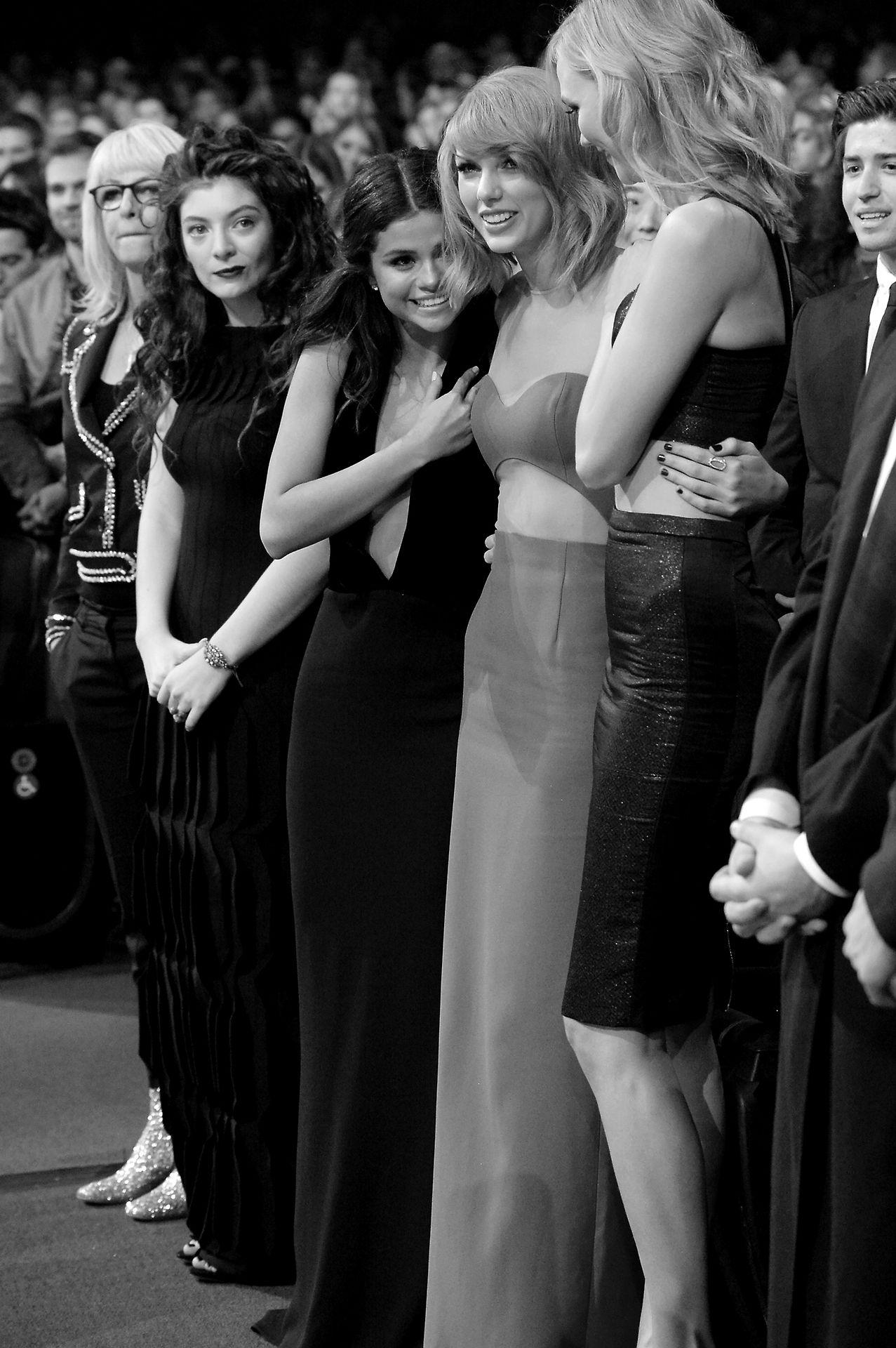Selena Gomez Taylor Swift Karlie Kloss Lorde Ama S With