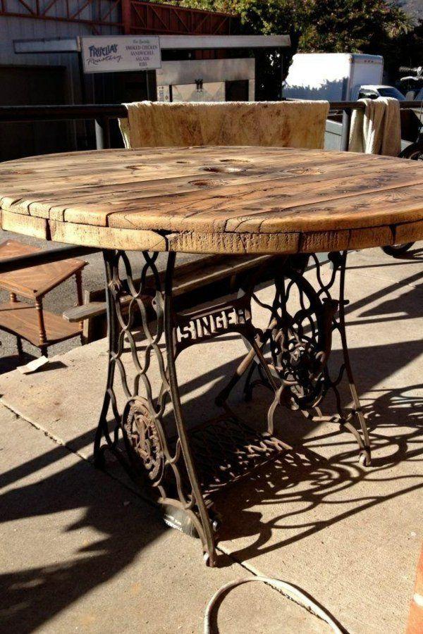 Alte Möbel neu gestalten - die alte Nähmaschine als Vintage Möbel - esszimmer im garten gestalten