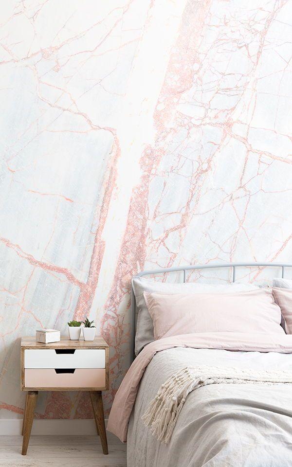 Carta da parati testurizzata con marmo bronzo | Apartments to Rent ...