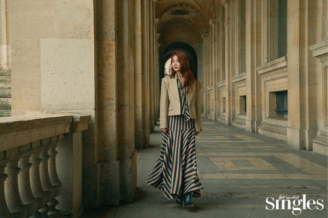 [K-Star]: YOO IN NA IS A BEAUTIFUL VISION IN PARIS
