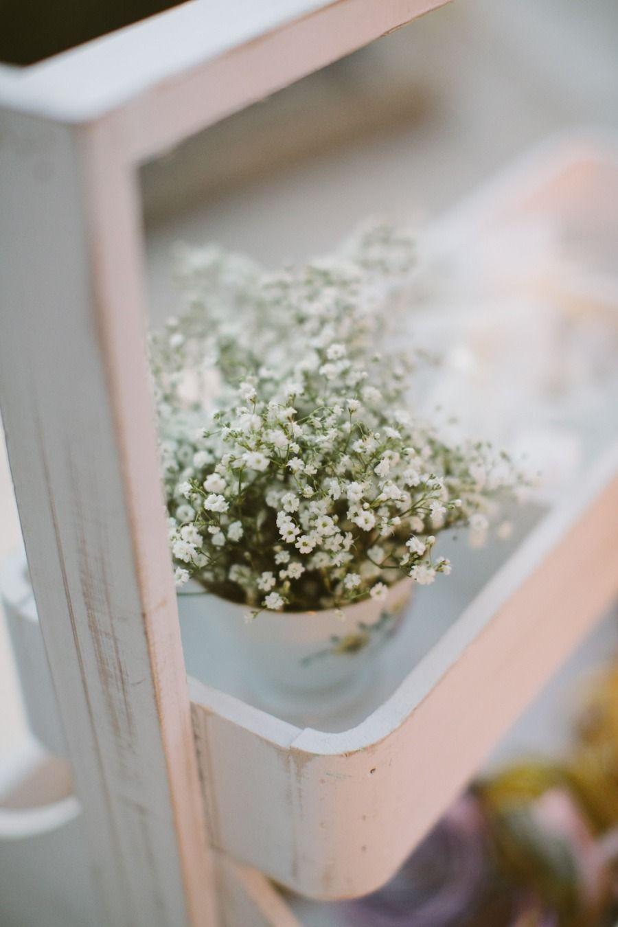 Teacup & baby's breath  #white #vintage #chic   Photography: Paula O'Hara - www.paulaohara.com/  Read More: http://www.stylemepretty.com/2015/02/11/elegant-pink-gold-malta-wedding/