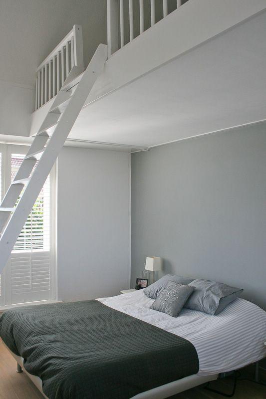 slaapkamer met zoldertje tienerkamer pinterest slaapkamer
