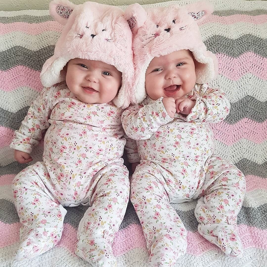 Baby Images 108 Imgsrc Twin Baby Girls Cute Baby Twins Cute Babies