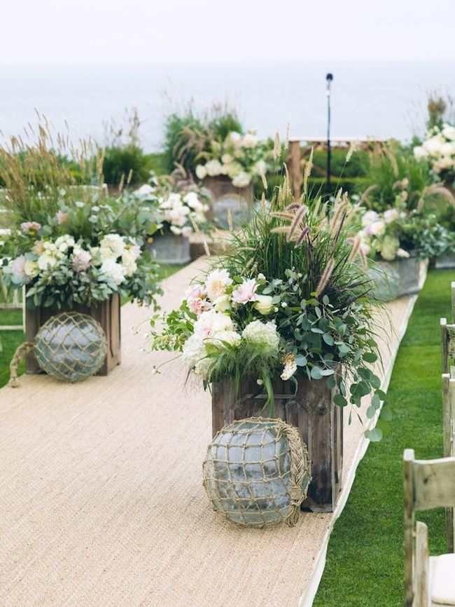 Amazing Wedding Aisle Runner Ideas Modwedding Aisle Runner Wedding Aisle Flowers Wedding Aisle