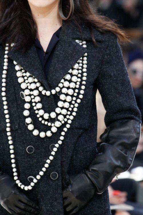 """lumedunsorriso: """"Bella Hadid for Chanel F/W 2016 """""""