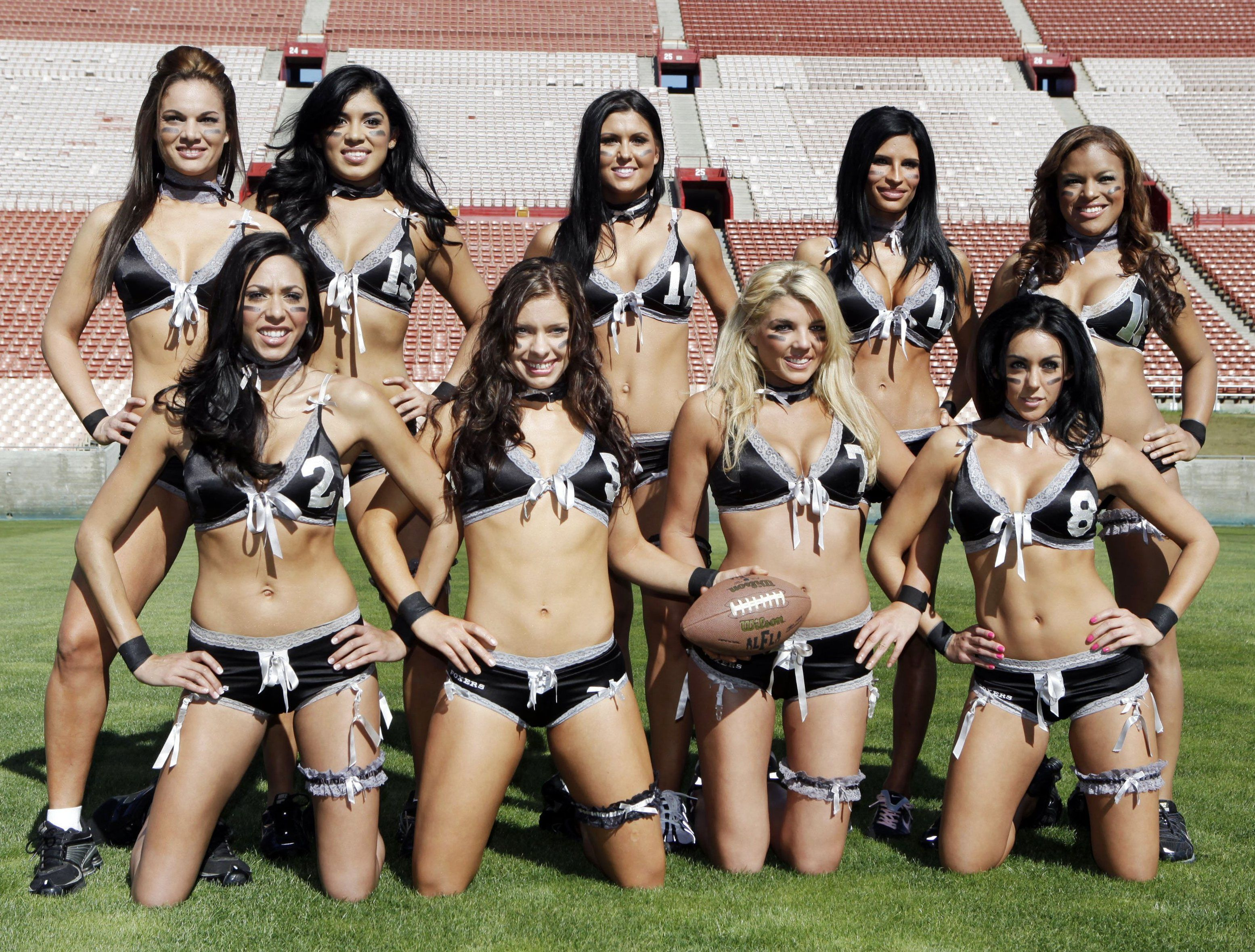 Hottest ipl cheerleaders