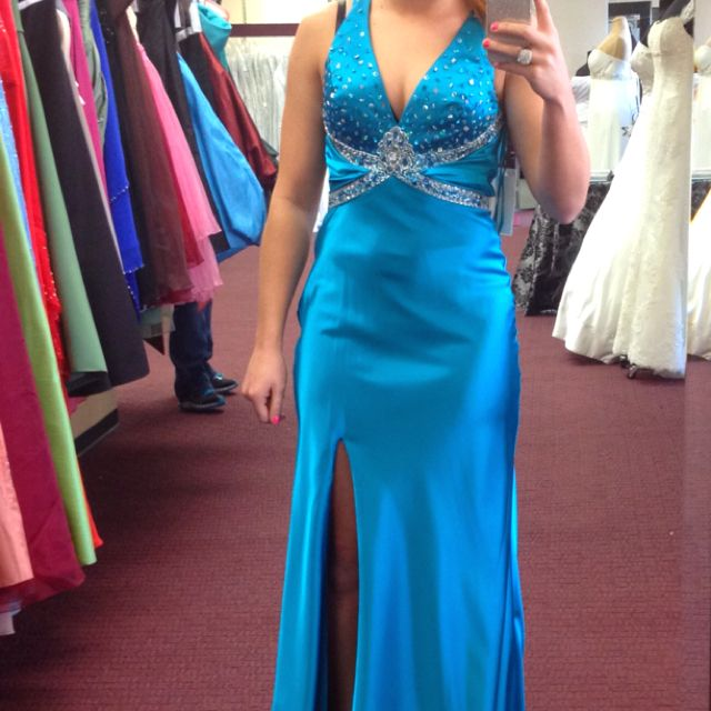 prom dress for sale: never been worn, tags are still attached, size 4