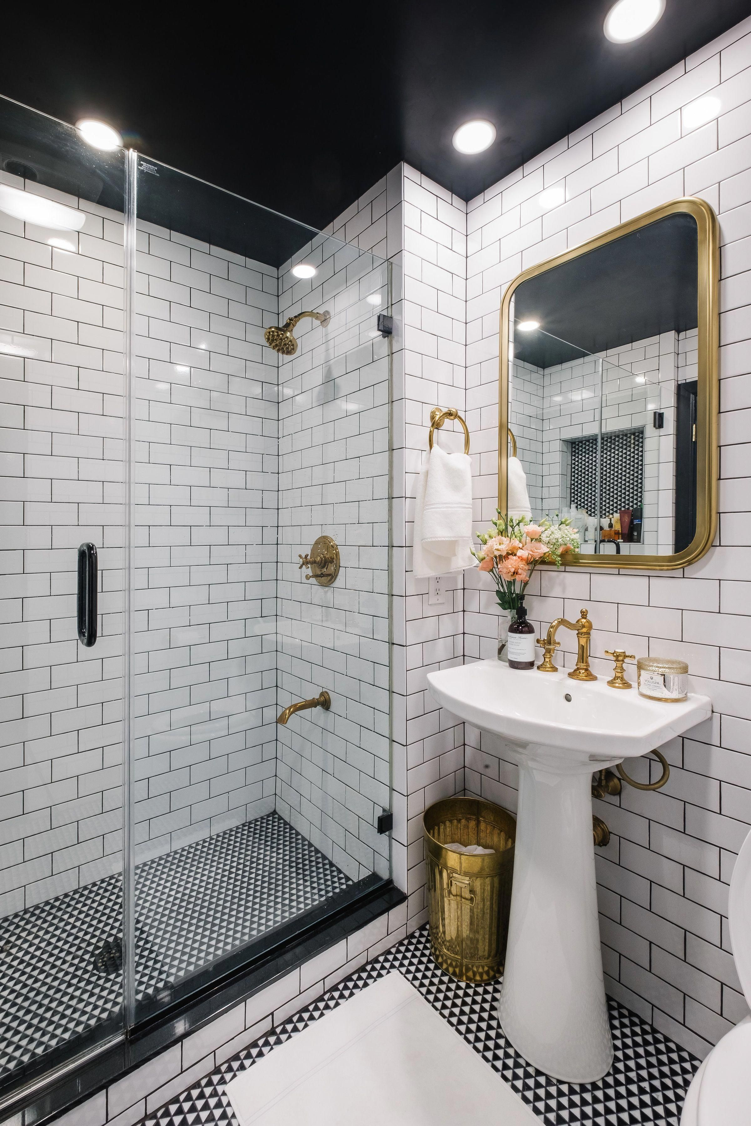 10 Scrumptious Gold Bathroom Accessories That You Need To Copy