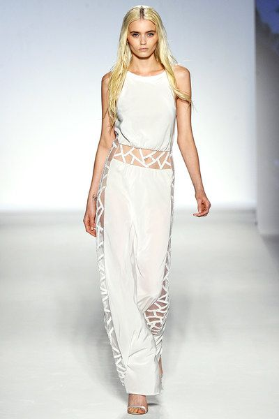 Alberta Ferretti Spring 2012 Ready-to-Wear Collection Photos - Vogue