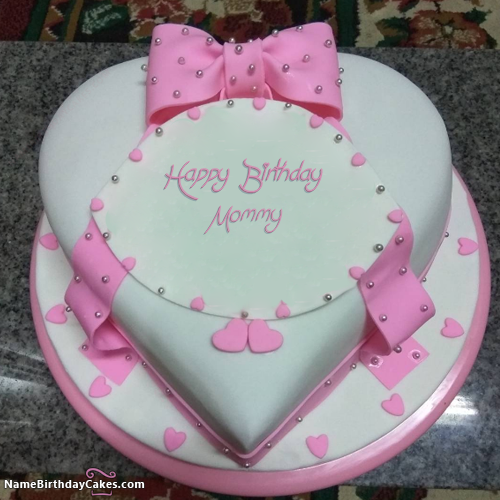 the name mommy is generated on birthday cake for sister with name