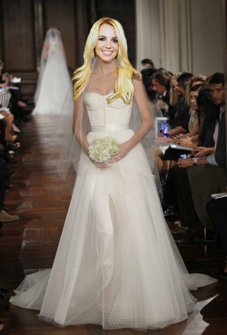 Britney Spears\' Wedding Dress: YOU Decide What She Should Wear!