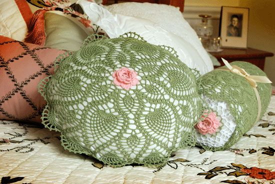 Pineapple Lace Round Pillow   Crochet Pillow, Cushion   Pinterest ...
