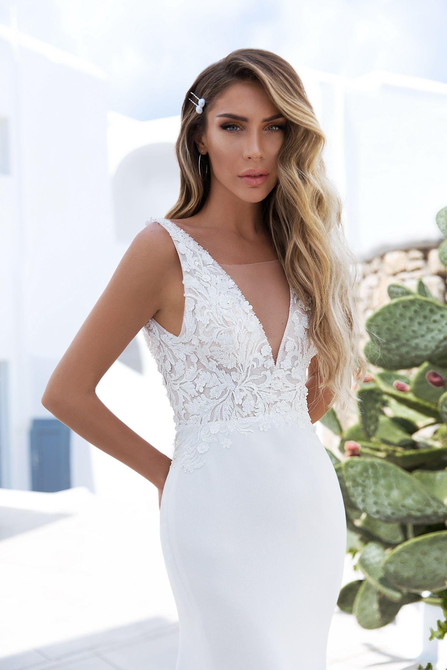 ELLY   Elegant & Demure   Style 021 Gina