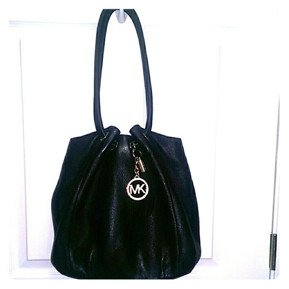 f484befa8db9f8 Black leather Michael Kors ring tote - Large Gorgeous Michael Kors tote,  Black tassel with gold MK logo, comes with dustbag - Very reasonable price  Michael ...