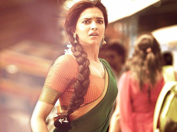 Deepika Padukone In Chennai Express, Priyaka Chopra ...