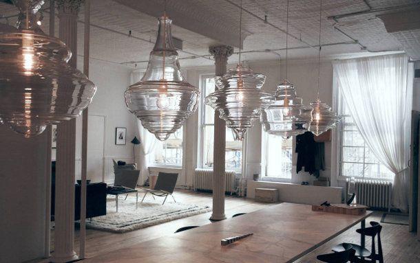 5 glazen hanglampen geà nspireerd door 5 klassieke kroonluchters