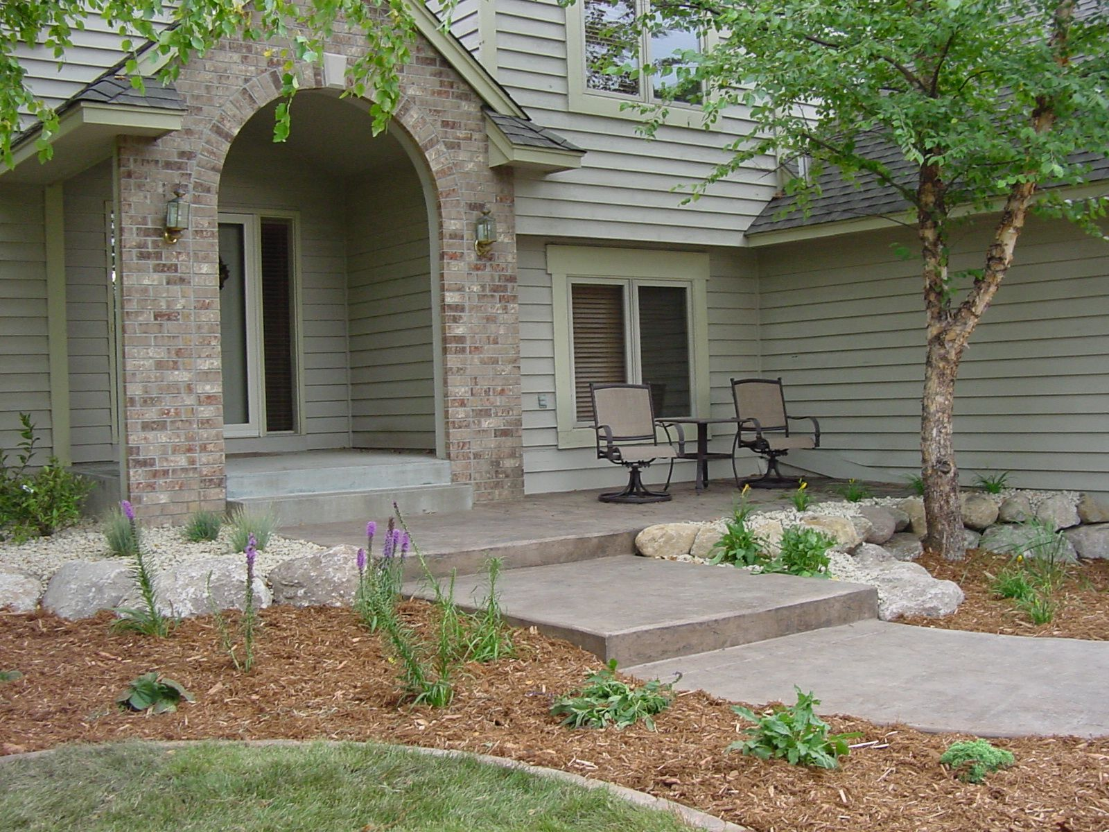 home-decor-front-yard-landscaping-walkway-residential-landscape ...