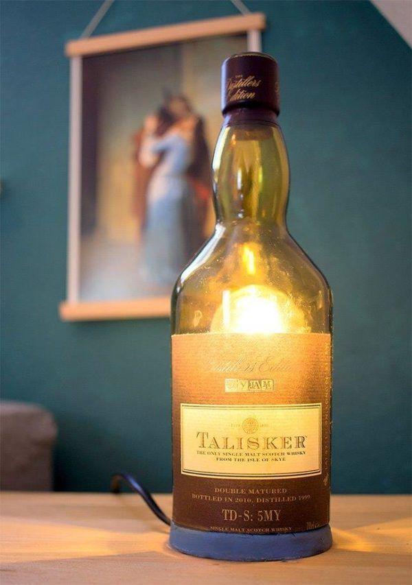 es werde licht lampe aus flaschen selbst machen lampe aus flaschen selber bauen lampe und. Black Bedroom Furniture Sets. Home Design Ideas