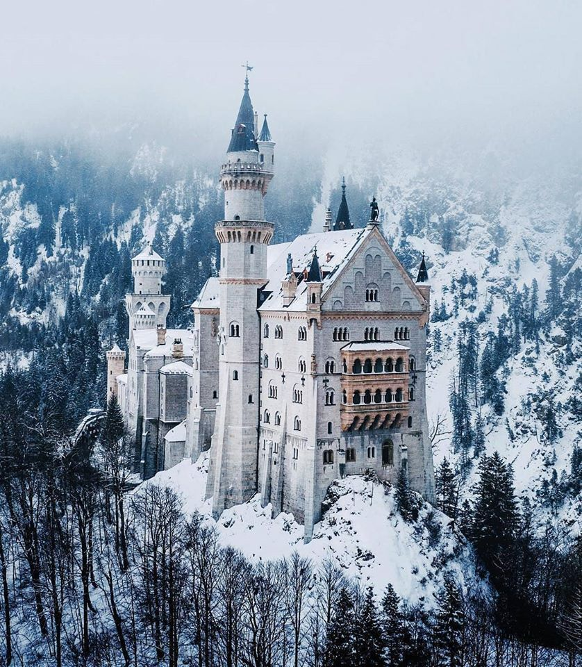The Neuschwanstein Castle In Bavaria Germany Which Became An Influence To Disney S Castles In 2020 Neuschwanstein Castle Castle Sleeping Beauty Castle