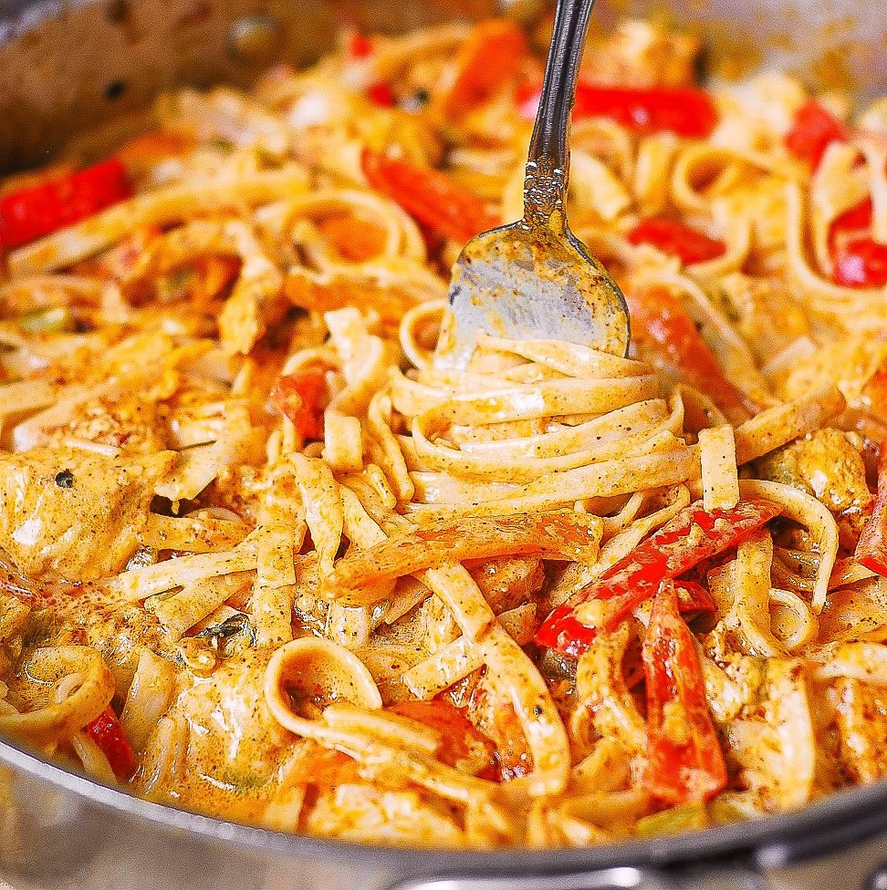 Mexican Chicken Pasta with Bell Peppers
