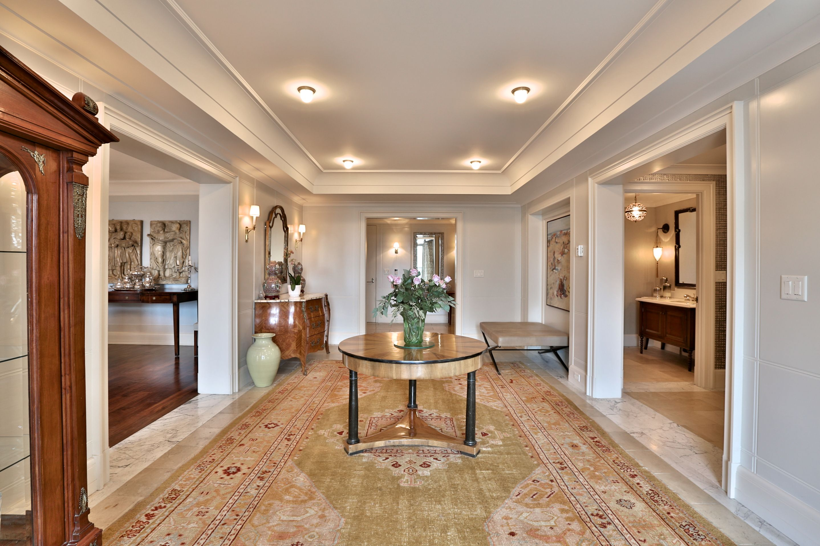 Please join Catherine Himelfarb-Borden for an agent open house this Thursday, September 22nd, 2016 at 10 Bellair Street #608.  The most desirable T.O address bar none. This life style alternative, Katherine Newman designed property exudes quality, class and style. In the most elegant and exclusive building. This condo is steps from Yorkville! Marble foyer, grand principle rooms, huge master suite, stunning floor to ceiling windows. 416-975-5588