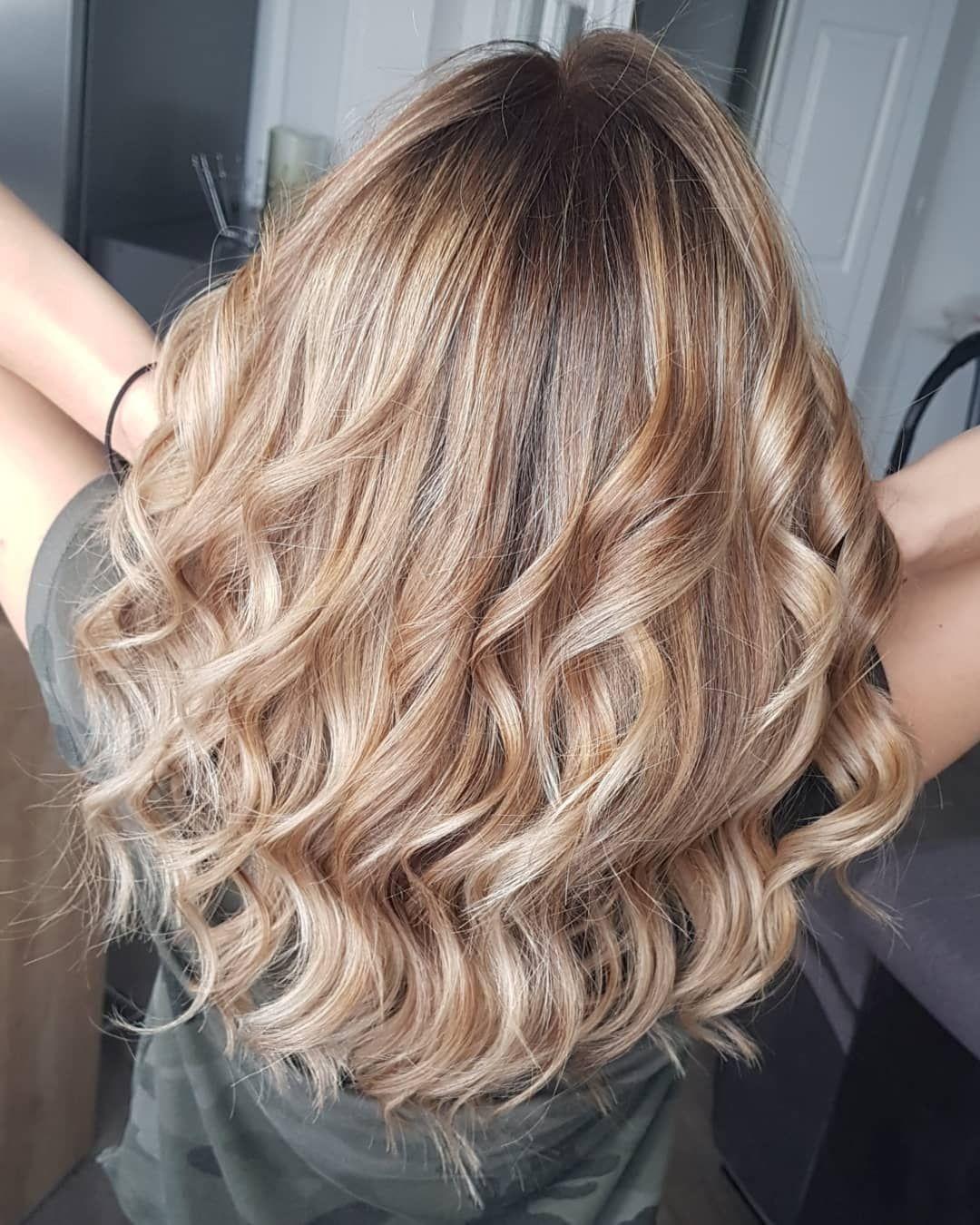 Cheveux Cils Ongles S Instagram Post Blondehairstyles Un Jolie Blond Demande De L Entretient Une Petite Patine Patine Cheveux Jolies Blondes Cheveux