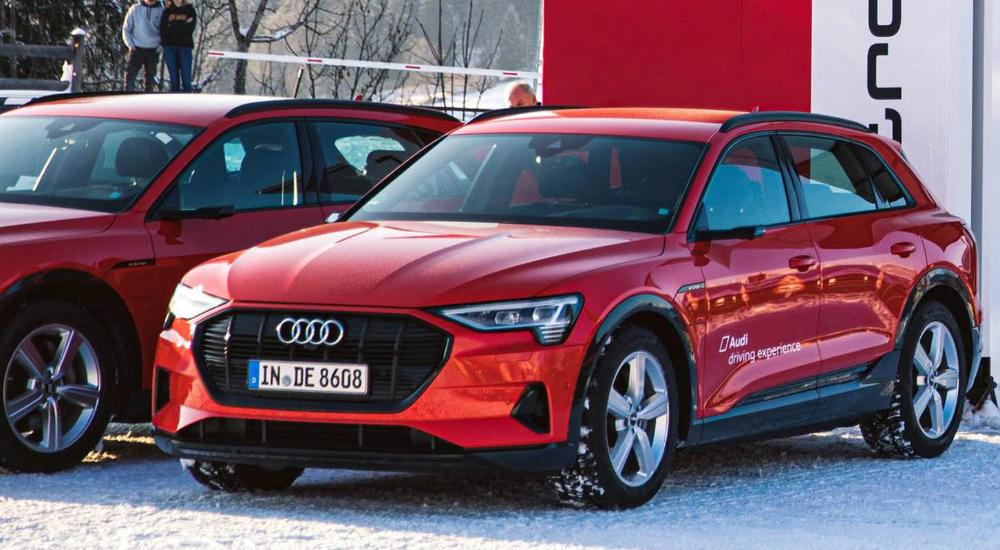 أودي الشريك الحصري لتقديم الحلول المستقبلية لوسائل النقل في المنتدى الاقتصادي العالمي في دافوس 2020 موقع ويلز In 2020 Audi Bmw Car