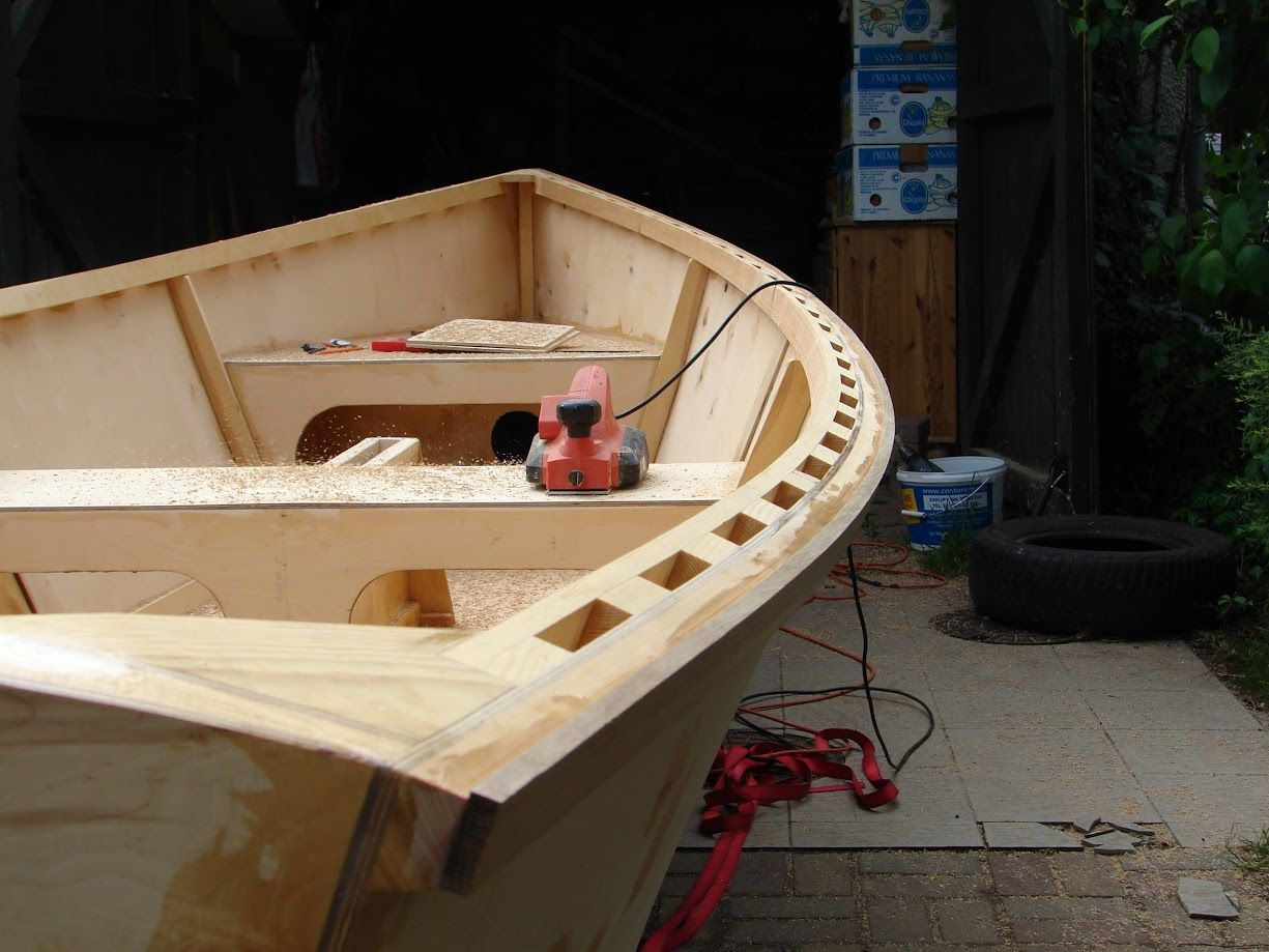 Goat Island Skiff Info – Simple Sailing dinghy Plan, Excellent performance, Lightweight
